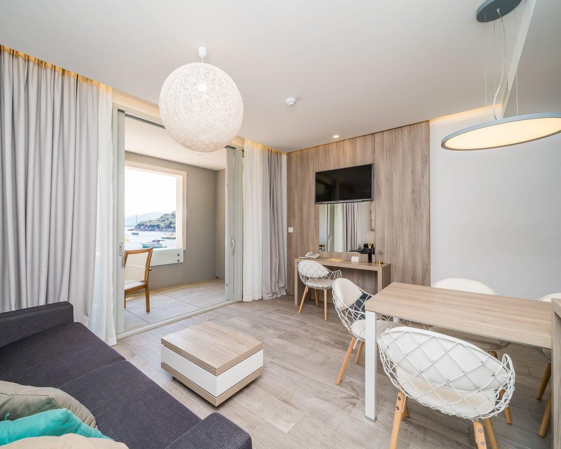 Kalamota One Room Suite