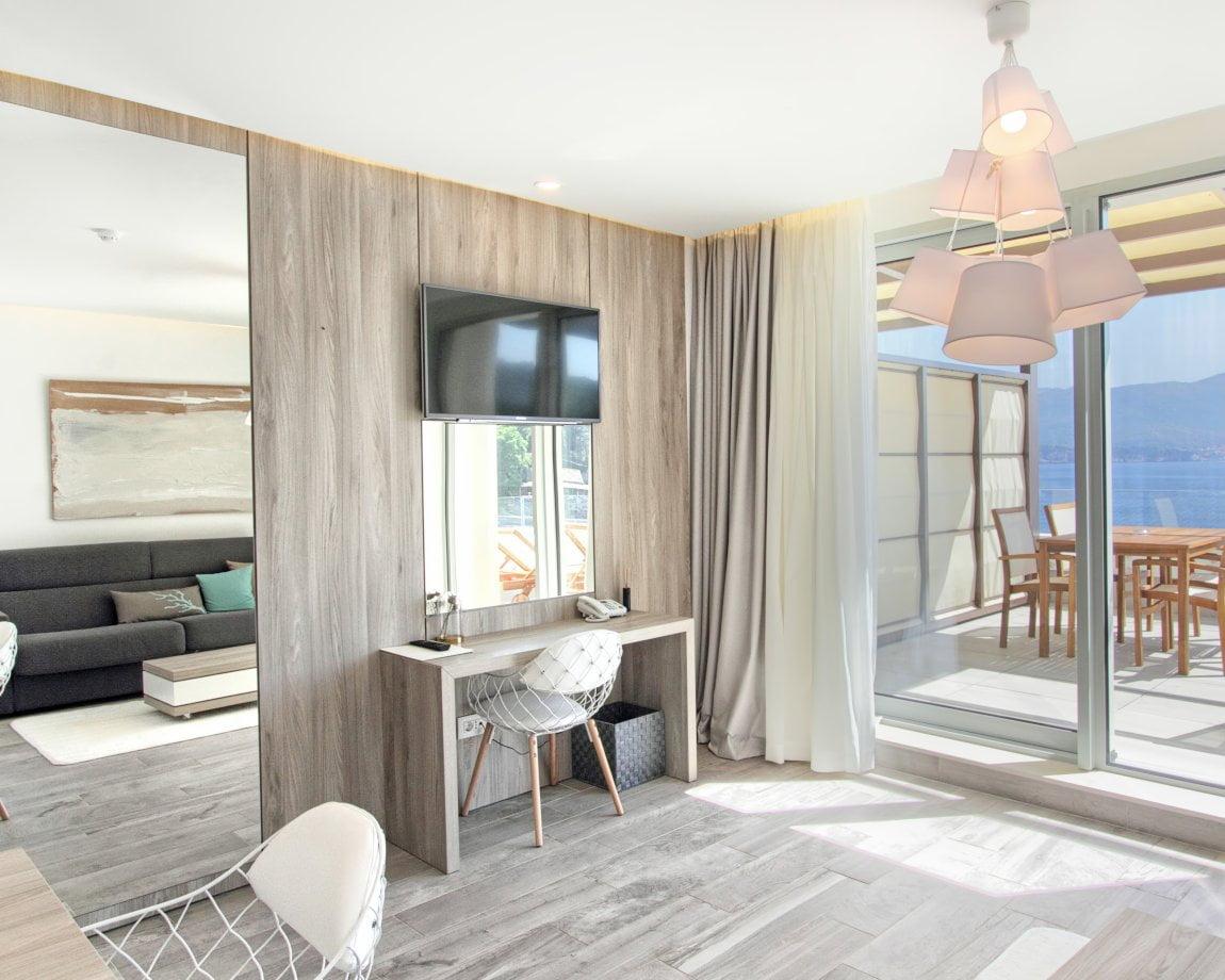 Kalamota Three Room Suite